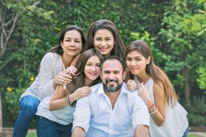 familia de 3 hijas