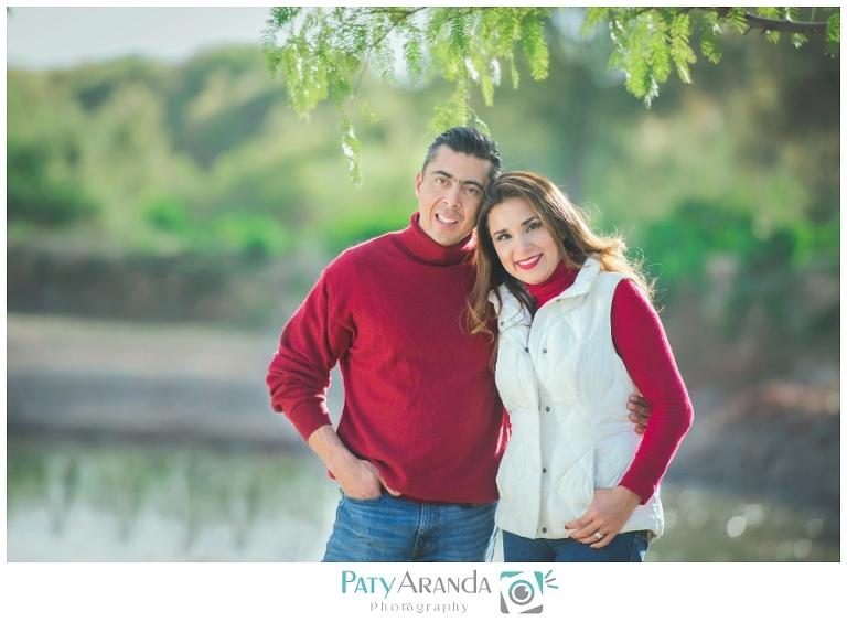 Fotografía de pareja tomada al aire libre en León, Gto.