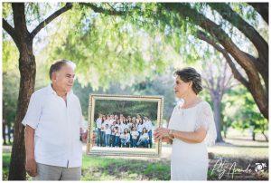 fotografía de abuelos al aire libre en León, Gto.